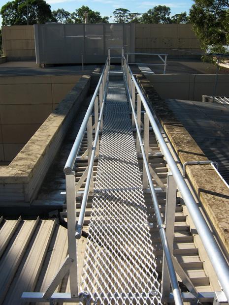 aluminium-handrail-walkways-1