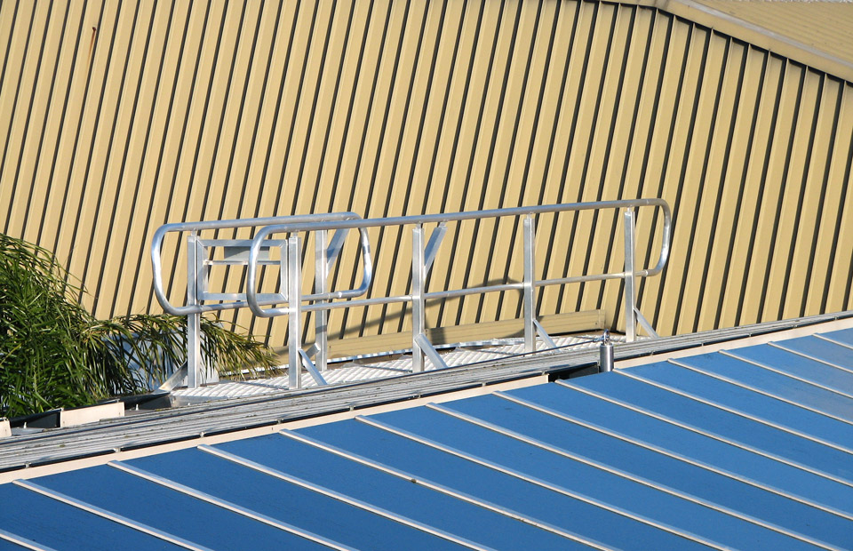 handrails-to-protect-glass-roof