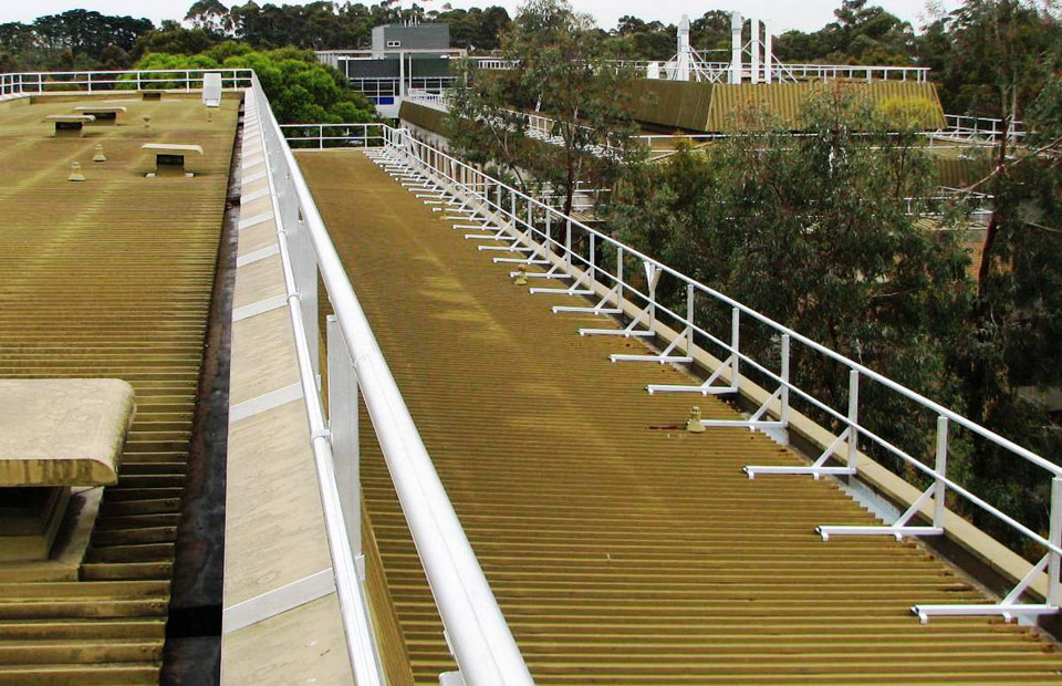 roof-and-parapet-handrails