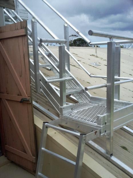 ladder-to-plant-platform-stair