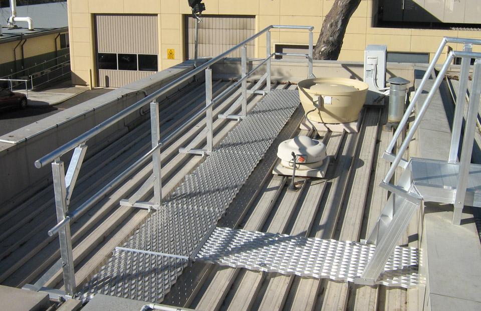 aluminium-walkways-handrails