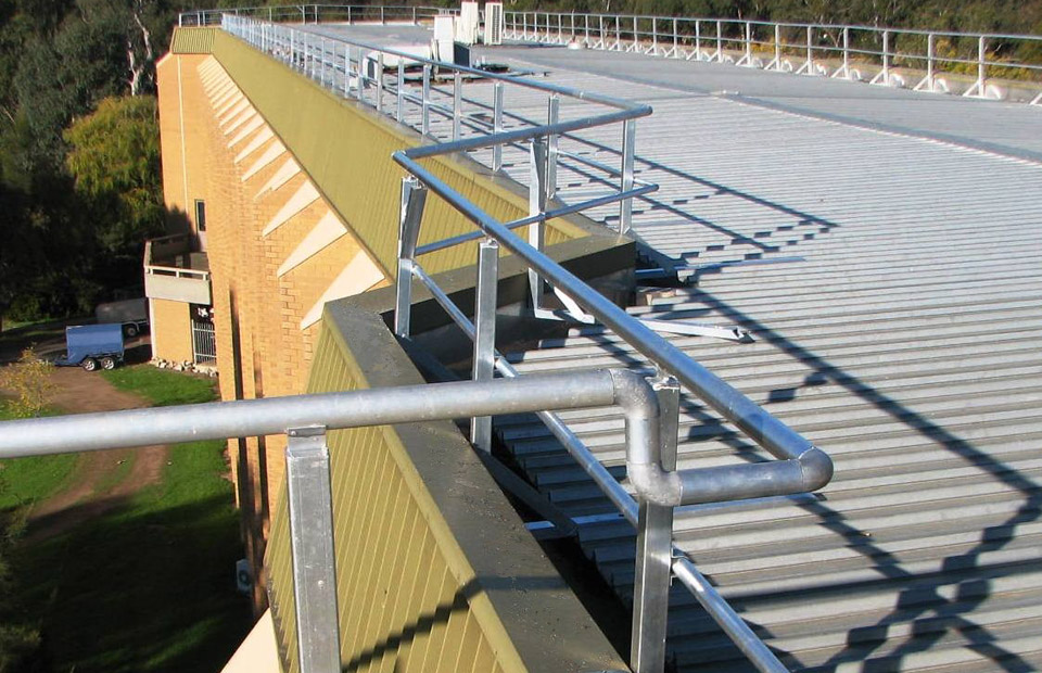 edge-protection-handrails-with-change-of-direction