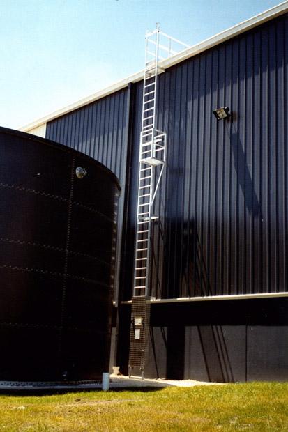 vertical-line-ladder-with-rest-platform